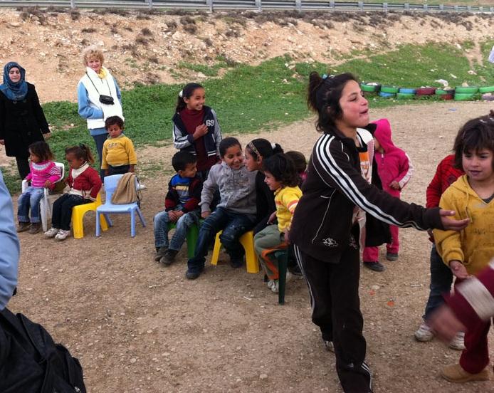 the sun terra santa campo di beduini